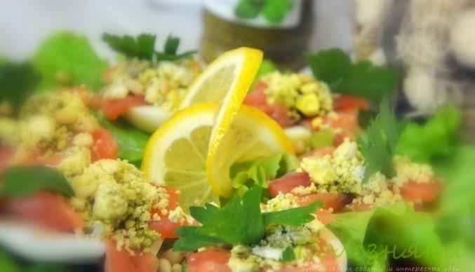 Закуска из лосося под яичным соусом