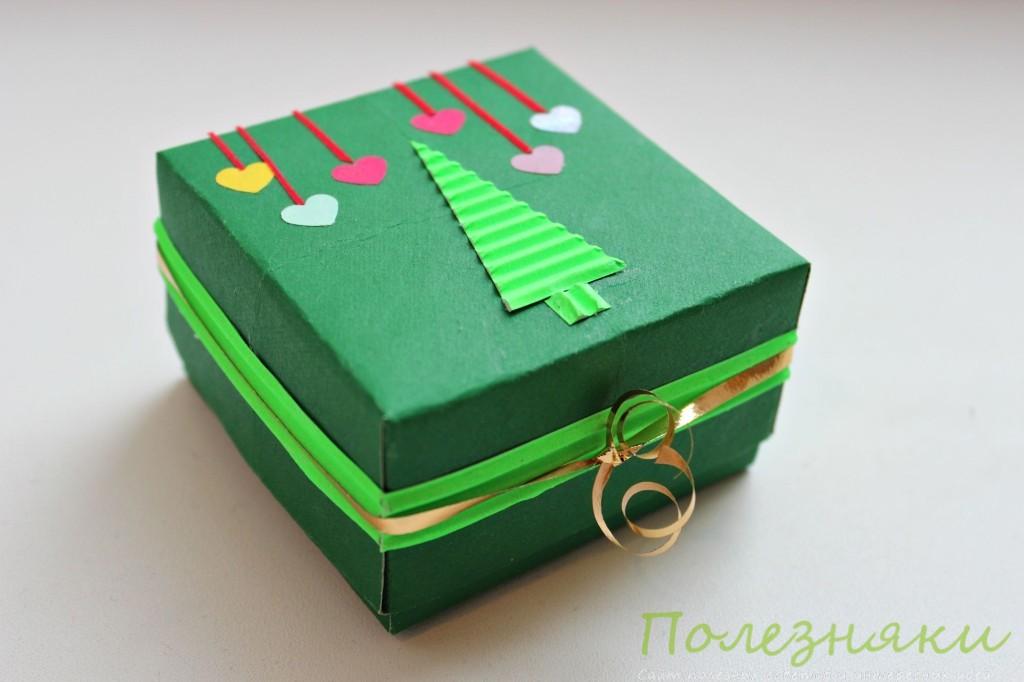 Коробочка для небольшого новогоднего сувенира