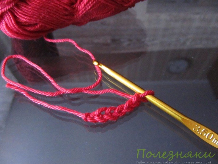 Вяжем цепочку из воздушных петель