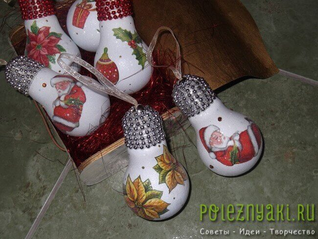 Новогодние украшения из лампочки сделанные своими руками 4