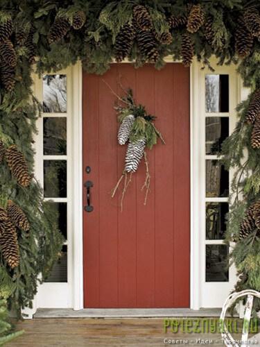 Шишечное украшение дверей