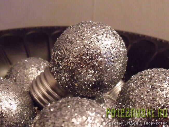 сделай сам рождественские идеи созданию украшений из лампочек 1