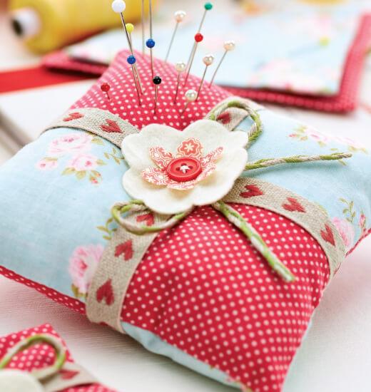 Подушка для иголок на руку своими руками