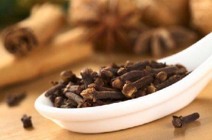 Зачем зимой в кофе добавляю один бутончик гвоздики, а в последнее время стала жевать сушенную гвоздику, как жвачку