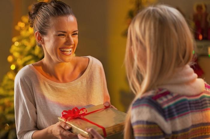 Продавать и передаривать подарки - это нормально? Личное мнение