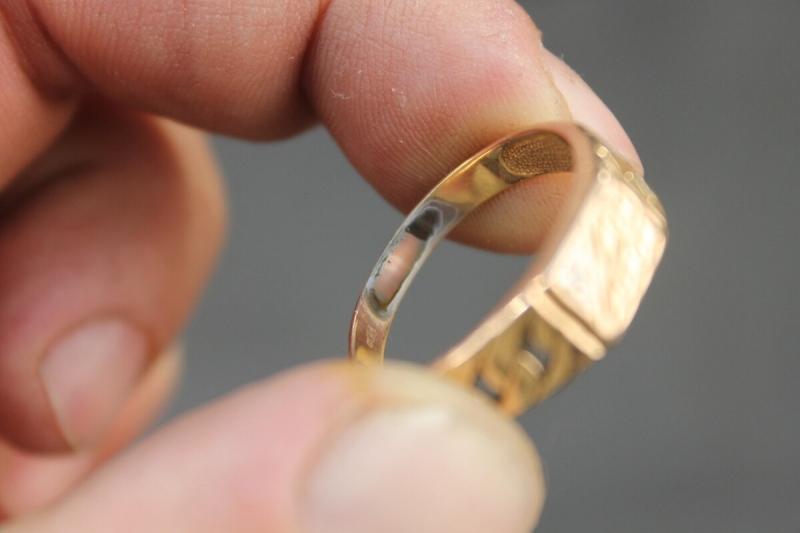 Знакомый ювелир подсказал, как проверить золото на подлинность в домашних условиях