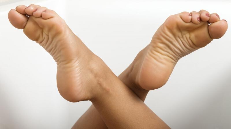 Как я быстро снимаю усталость и отеки с ног