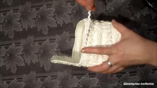 Что можно сделать из пластиковой бутылки и гипсового бинта.
