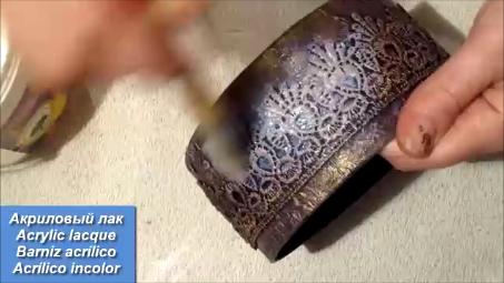 Что можно сделать из круглой картонной коробочки.