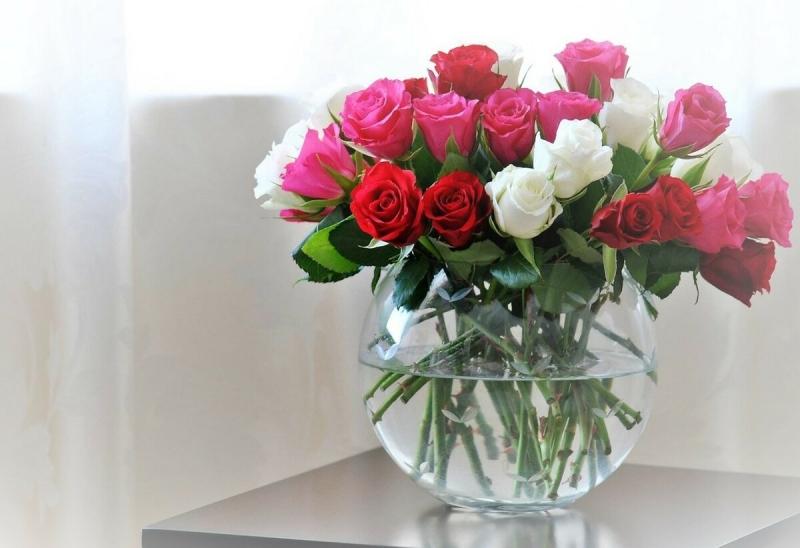 Цветы в вазе у меня всегда долго остаются свежими, 2-3 недели. Делюсь своими секретами