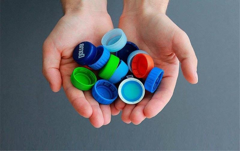 Больше не выкидываю крышки от пластиковых бутылок! Рассказываю, как использовать с пользой
