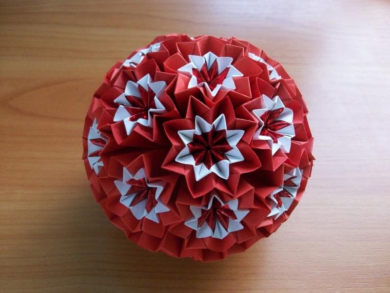 Эксклюзивные елочные шары из бумаги. Видели их раньше? Подробный мастер-класс